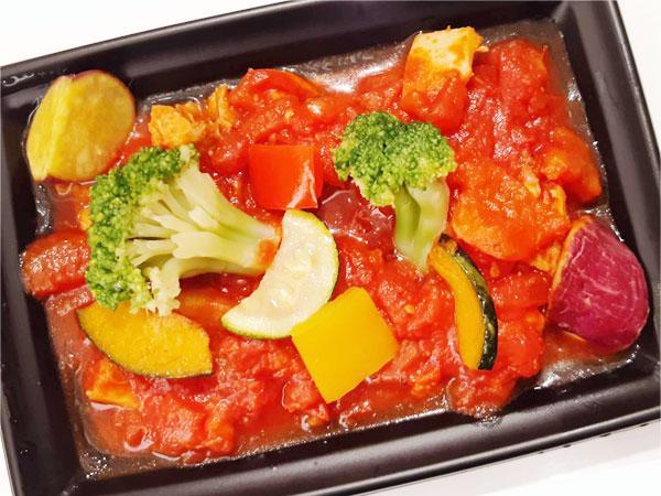 鶏もも肉と彩り野菜のラタトゥイユ